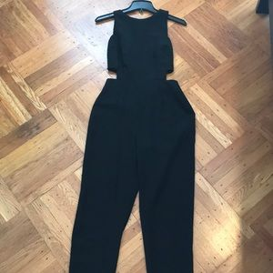 JumpSuit / pants romper with side cutout